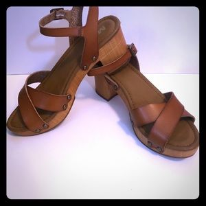 Mia Clog Leather Sandals
